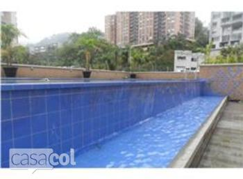 Main_piscina_asensi